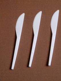 Нож одноразовый белый